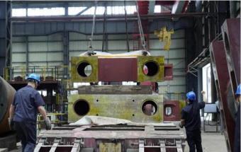 武汉重工5000T热模锻压机主体部分发货!